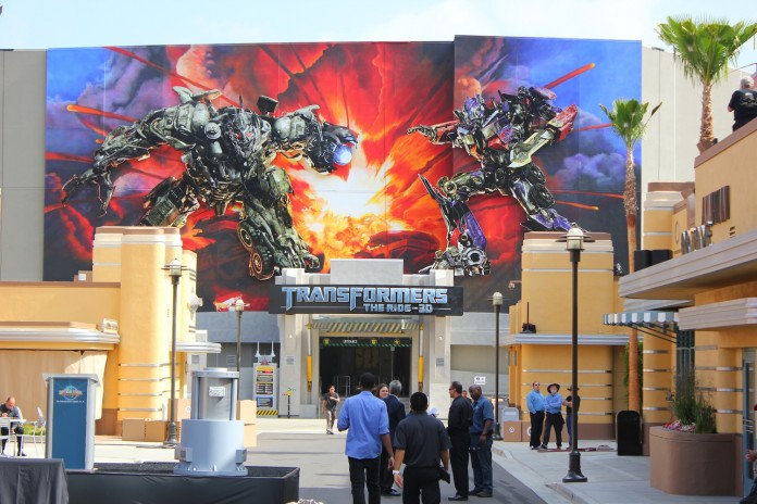 universal-Transformers-The-Ride-3D-Red-Carpet-Grand-Opening-Event-4_1337962156